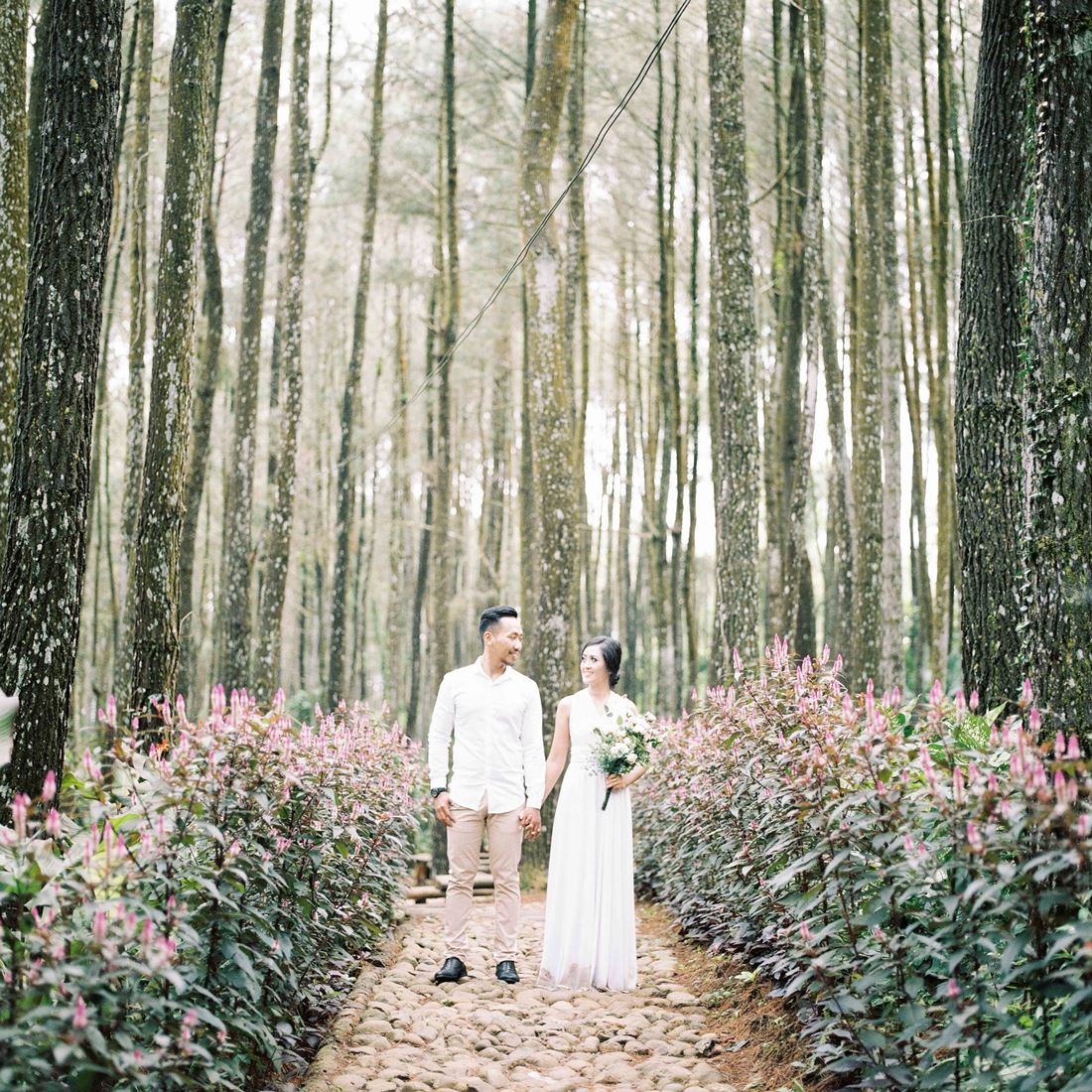Pakpid : Being Different for Your Big Day by Enjoying The elements of Surprise With Analog Camera